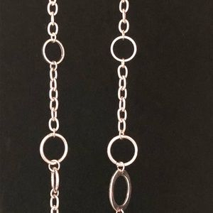 Jewelry - Silver Colored Classic Necklace